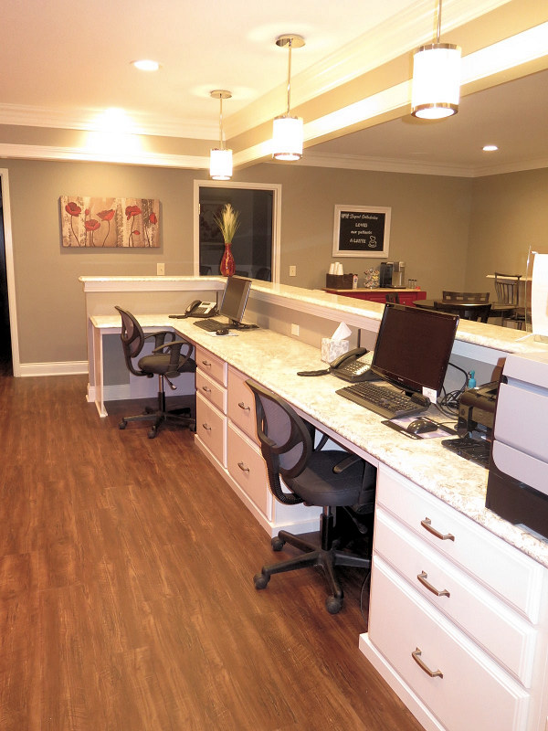 09Reception_desk_4